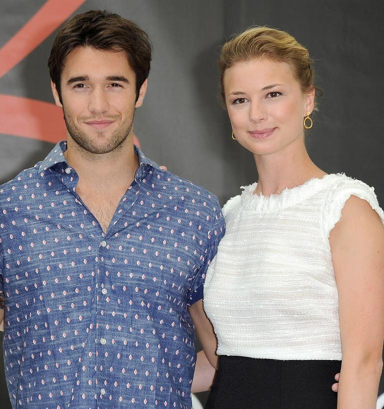 'Revenge' Season 4 Star Emily VanCamp, Boyfriend Josh ...