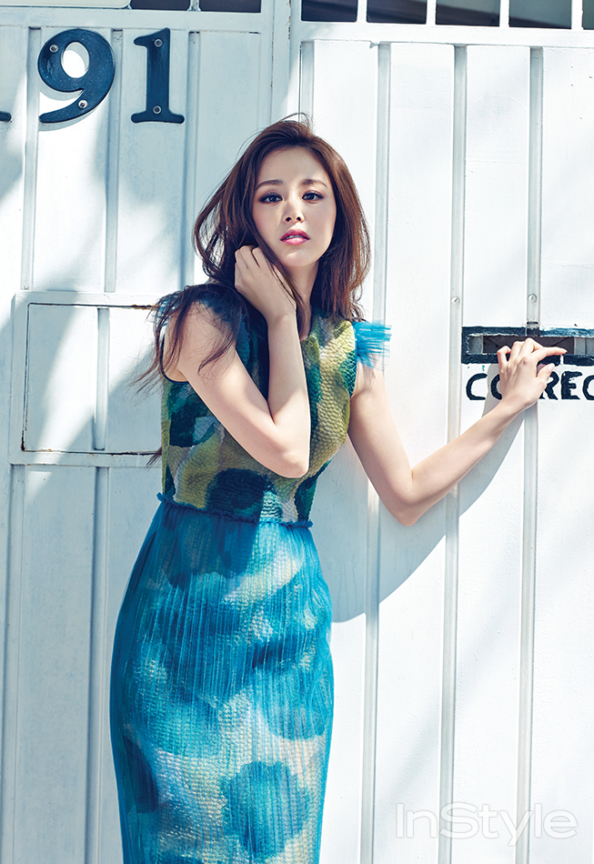 Instyle Releases Additional Photos Of Kim Tae Hee From Mexico Photoshoot News Kpopstarz