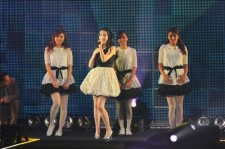 IU and Kara at Tokyo Girls Collection 2012