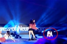 f(x) Sulli in ANOTHER Controversy? – Why Didn't She Just Dance?