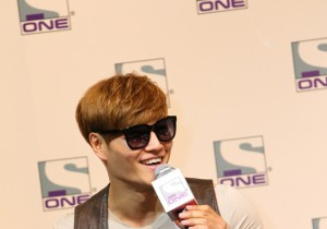 Popular Korean Variety Game Show 'Running Man' Cast In Singapore For Fan Meeting, Meets The Local Press [PHOTOS]