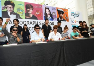 Running Man Cast Attends Autograph Session In Singapore [PHOTOS]