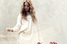 Lim Kim Holds a Fan Signing Event in Busan 'For the Fans Who Support Me'