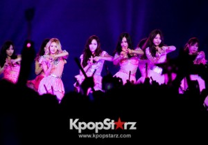 Girls' Generation Brings Sweet Smiles for 'Girls and Peace' Stop in Hong Kong, November 9, 2013 [PHOTOS]