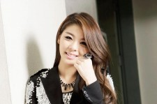 Ailee may be on an indefinite hiatus after allkpop published unauthorized nude photos of the singer on Nov. 10, but the battle has continued to rage online as several bloggers have called for a boycott of the Korean entertainment website.