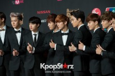2013 MNET Asian Music Awards - MAMA - EXO on the Red Carpet