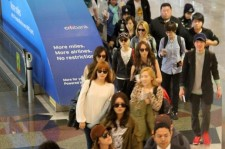 Girls' Generation (SNSD) Malaysia Airport Fashion to Attend 'Twin Towers @Live 2012'