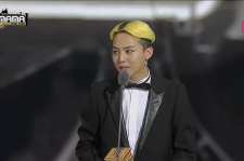 G_Dragon_Best_Video.png