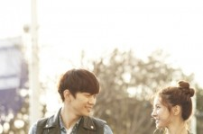 2PM's Junho And Kim So Eun holding hands 'A Beautiful Couple'