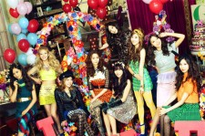 Girls' Generation Tops Japan Oricon Weekly Chart with 'LOVE&PEACE'