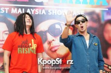 Skull & Haha Gets Closer With Fans at Meet & Greet Session in Malaysia  - Dec 21, 2013 [PHOTOS]