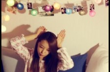 SECRET Jieun Shows Off Cute Pajamas with Bunny Pose