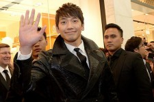 Singer Rain to Greet the New Year by Attending a Concert in Singapore