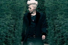 Big Bang rapper and frontman G-Dragon continues to rack up the awards for his solo efforts this year, as he was selected as number nine on Billboard's list of the Top World Artists of 2013.