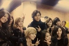 Girls' Generation (SNSD) with Lee Jang Woo in France