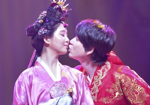 Girls Generation[SNSD] Seohyun and Super Junior's Kyuhyun Kiss for 'The Moon That Embraces the Sun'