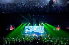 CNBLUE Holds Successful First Mexico World Tour Concert With 5,000 Fans