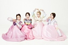Girl's Day Greeting 'Lunar New Year' in Hanbook