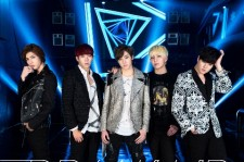 Group U-KISS Reveals PV For New Japan Single, 'Break Up'
