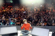 Actor Lee Jong Suk Successfully Holds Shanghai Fan Meeting