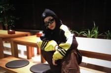 2ne1 dara dressed up as seo tae ji