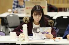 kara han seungyeon focused on script reading