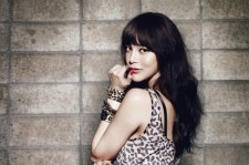 Park Si Yeon Rocks in Jeans for COSMOPOLITAN, Showing Off Sexiness