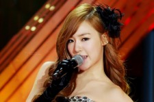Girls' Generation (SNSD) Taeyeon-Tiffany Performs 'Lady Marmalade' on 'K-Pop Star' [PHOTOS]