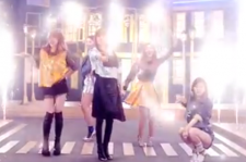 4Minute is back with a new music video and by the looks of things, they're ready to party.
