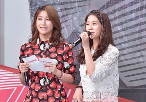 MC Gyuri & Seungyeon at SBS MTV The Show : All about K-POP