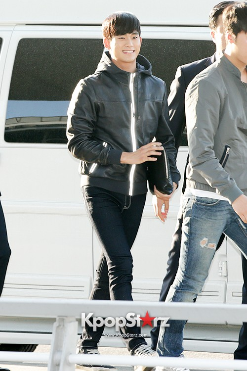 Kim Soo Hyun at Incheon Airport Heading to Taiwan for 1st Fan Meeting key=>1 count5