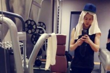 BEAST Yoseob Reveals His Muscles During His Morning Workout