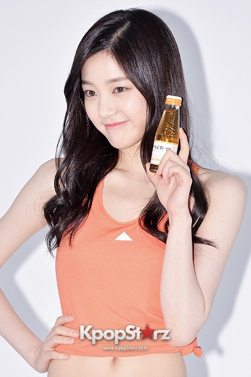 Lee Yoo Bi Filming for the Drink Brand 'Miero Fiber' - March 28, 2014 [PHOTOS]key=>7 count46