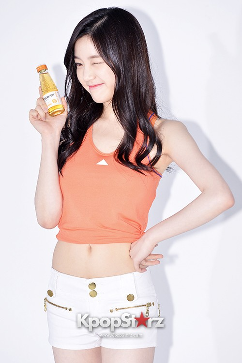 Lee Yoo Bi Filming for the Drink Brand 'Miero Fiber' - March 28, 2014 [PHOTOS]key=>16 count46