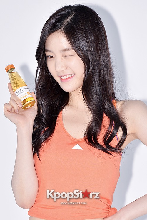 Lee Yoo Bi Filming for the Drink Brand 'Miero Fiber' - March 28, 2014 [PHOTOS]key=>24 count46