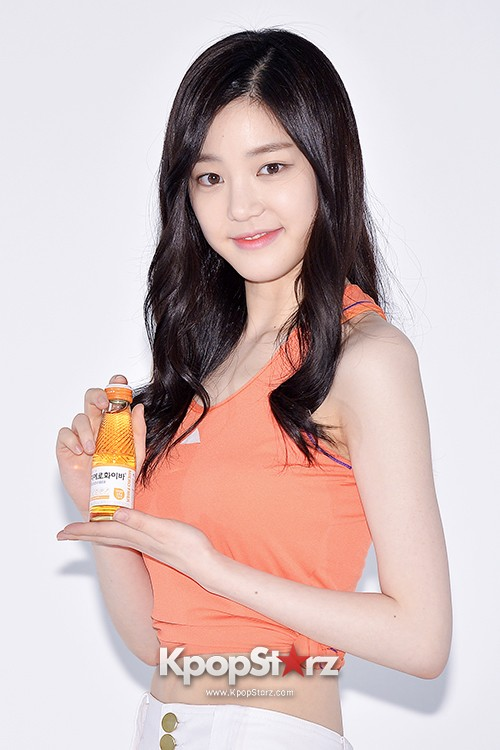 Lee Yoo Bi Filming for the Drink Brand 'Miero Fiber' - March 28, 2014 [PHOTOS]key=>33 count46