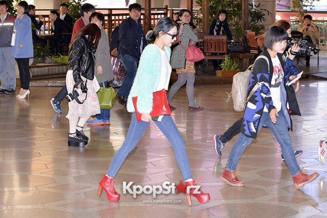 Sunmi at Gimpo International Airport Heading to Japan for Attending Mnet's M!Countdownkey=>1 count9