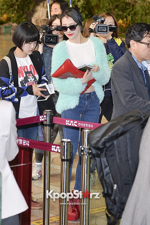 Sunmi at Gimpo International Airport Heading to Japan for Attending Mnet's M!Countdownkey=>0 count9