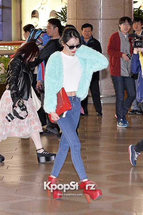 Sunmi at Gimpo International Airport Heading to Japan for Attending Mnet's M!Countdownkey=>4 count9