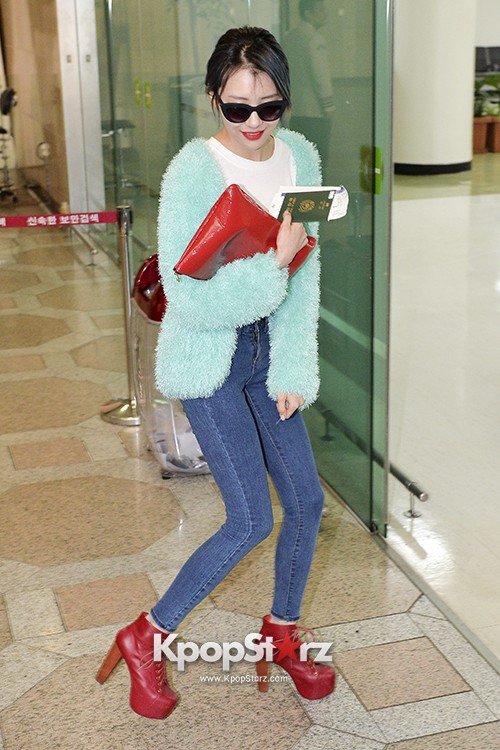 Sunmi at Gimpo International Airport Heading to Japan for Attending Mnet's M!Countdownkey=>7 count9