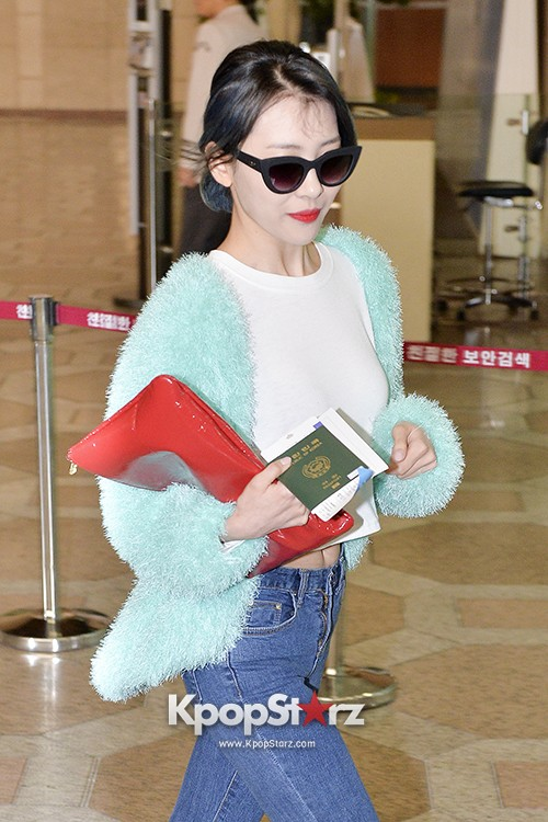 Sunmi at Gimpo International Airport Heading to Japan for Attending Mnet's M!Countdownkey=>8 count9