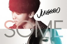 "Soyou and Junggigo's ""Some"" #1 on Monthly Charts While ""Cherry Blossom Ending"" Falls 10th"