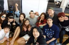 roommate members group picture