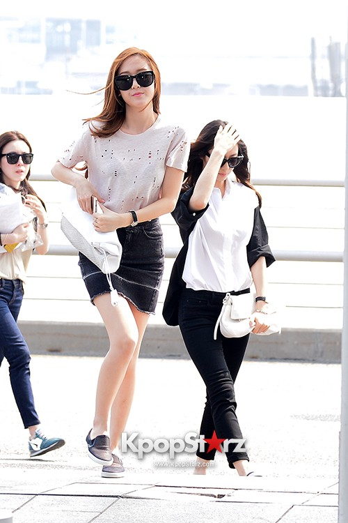 Girls Generation[SNSD] Jessica and f(x)'s Krystal Heading to Los Angeles to Attend Jimmy Choo's Event key=>13 count24