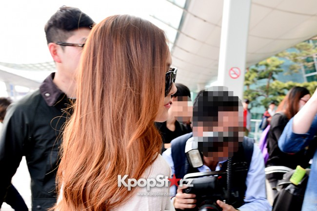 Girls Generation[SNSD] Jessica and f(x)'s Krystal Heading to Los Angeles to Attend Jimmy Choo's Event key=>14 count24
