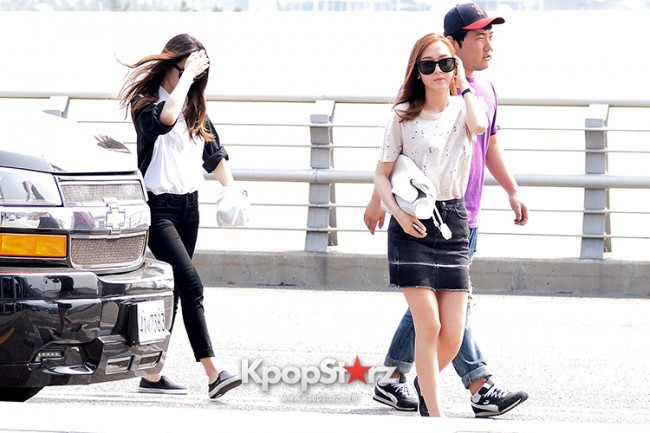 Girls Generation[SNSD] Jessica and f(x)'s Krystal Heading to Los Angeles to Attend Jimmy Choo's Event key=>15 count24
