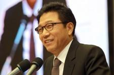 Lee Soo Man Donates $1,000,000 To Sewol Victims