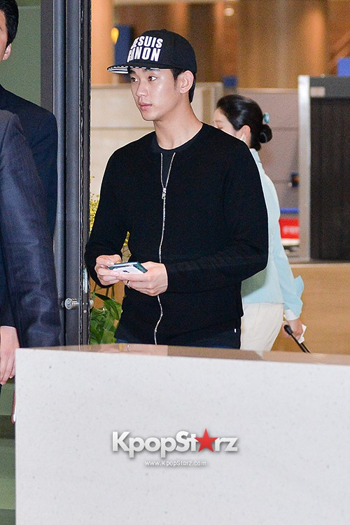 Kim Soo Hyun Arrived at Incheon Airport from Singapore - April 28, 2014 [PHOTOS]key=>0 count10