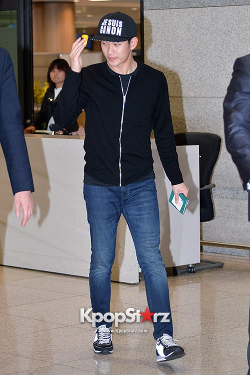 Kim Soo Hyun Arrived at Incheon Airport from Singapore - April 28, 2014 [PHOTOS]key=>2 count10