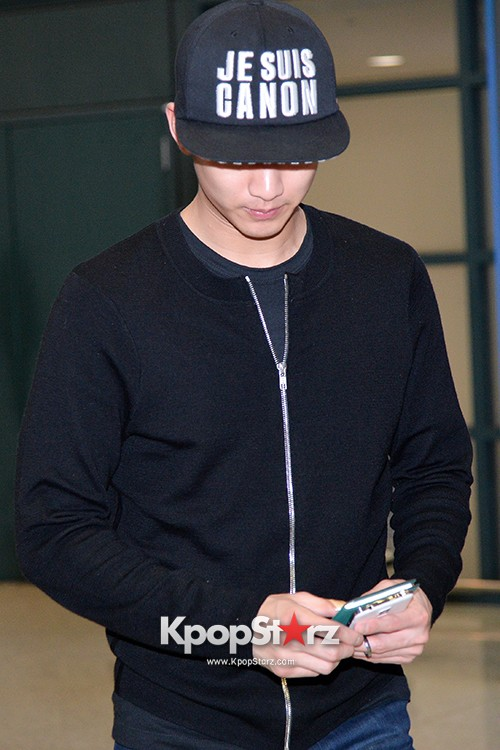 Kim Soo Hyun Arrived at Incheon Airport from Singapore - April 28, 2014 [PHOTOS]key=>3 count10
